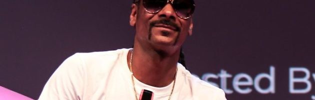 No F**ks Given: Snoop Dogg Smokes A Marijuana Cigarette In Front Of The White House [Video]