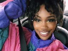 Top Dawg Entertainment's SZA Gives Good Vibes W/ This Selfie